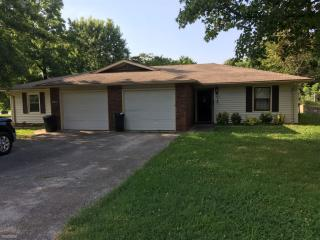 203 W South St, Bolivar, MO 65613