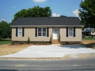 609 Fisher Ferry St, Thomasville, NC 27360