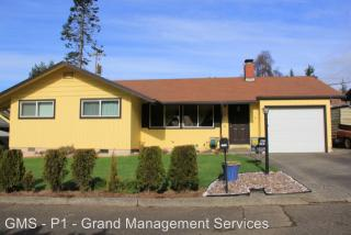 1790 Ocean Blvd SE, Coos Bay, OR 97420
