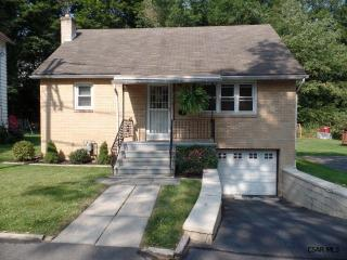 1322 Roxbury Ave, Johnstown, PA 15905