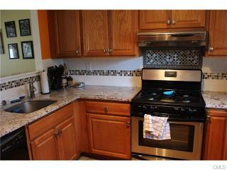 50 Country Pl, Shelton, CT 06484