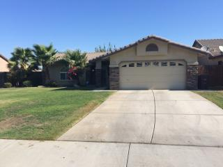 408 Mark Ave, Shafter, CA 93263