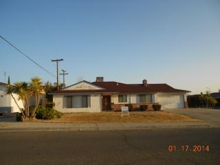 211 Laurel Ave, Atwater, CA 95301