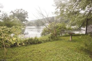 21 Lake Drive, Stanhope NJ