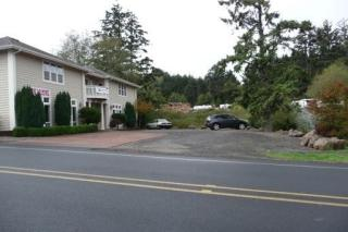 3979 NE West Devils Lake Rd #A, Lincoln City, OR 97367