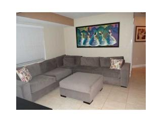 5295 W 25th Ct #1006, Hialeah, FL 33016