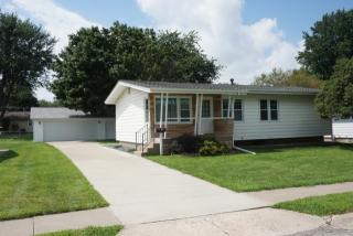 1126 N 12th St, Clinton, IA 52732