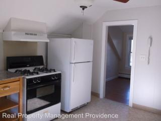 11 Meadow St #2, Warren, RI 02885