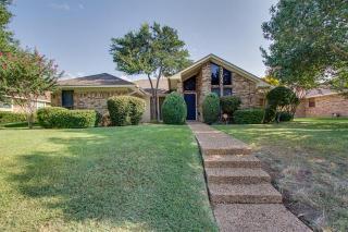 2111 Nob Hill, Carrollton TX