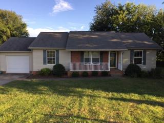101 Meadow Ln, Portland, TN 37148