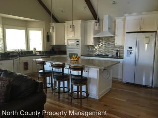 460 Windsor River Rd, Windsor, CA 95492