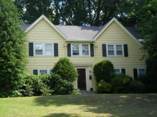 Address Not Disclosed, Glen Rock, NJ 07452