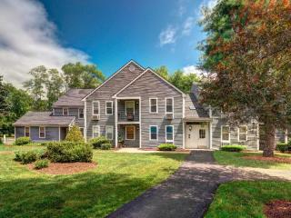 9 Francis Ave, Mansfield, MA 02048