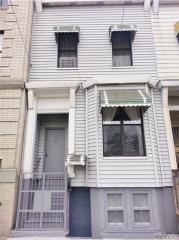 1098 Washington Avenue, Rockaway Park NY