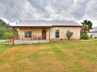 104 Cedarhill Drive, Granite Shoals TX