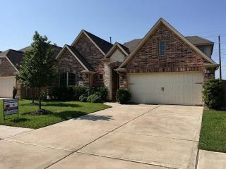 13606 Mooring Pointe Drive, Pearland TX