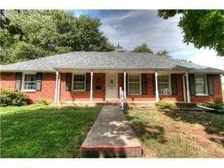 6916 North Woodland Avenue, Gladstone MO