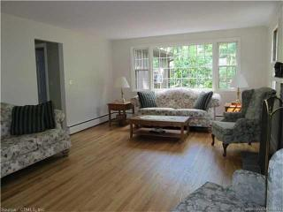 52 Country Club Rd, Avon, CT 06001