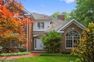 863 Gloucester Crossing, Lake Forest IL