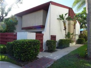 3011 Oaktree Lane #275, Hollywood FL
