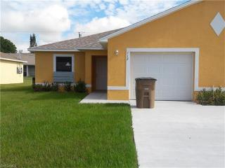 113 SE 12th Ter, Cape Coral, FL 33990