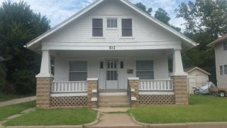512 W South St, Salina, KS 67401