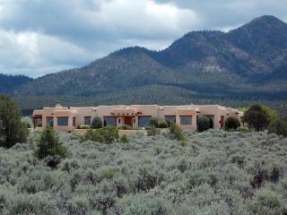82 Calle Mirador, Ranchos de Taos NM