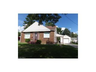 41 16th St, Campbell, OH 44405