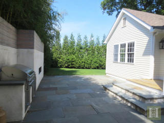 60 East Ave, New Canaan, CT 06840