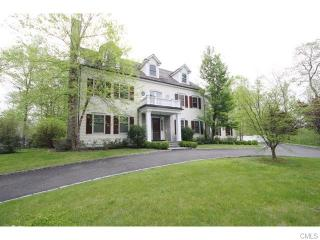 215 Spring Water Ln, New Canaan, CT 06840