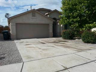 669 Valley Meadows Dr NE, Rio Rancho, NM 87144