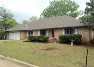 9104 Lansbrook Lane, Oklahoma City OK