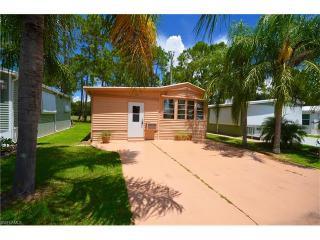 250 Caravan Circle, North Fort Myers FL