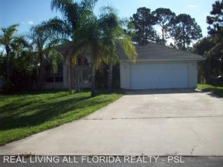 2773 SW Dallas St, Port Saint Lucie, FL 34953