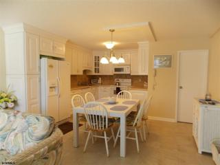 935 Ocean Ave, Ocean City, NJ 08226