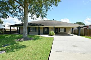 3720 Russell Street, Groves TX