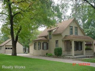 1425 Lincoln St, Beatrice, NE 68310