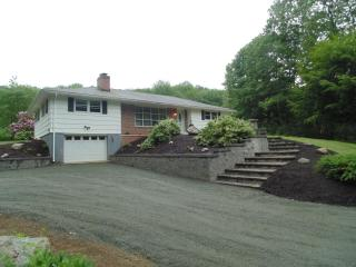 678 General Knox Rd, Russell, MA 01071