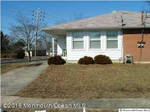 4 Yellowstone Dr, Toms River, NJ 08753