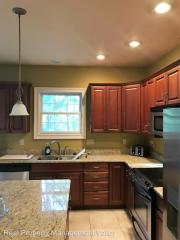 224 Southern Woods Dr, South Charleston, WV 25309