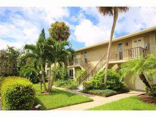 312 Palm Drive #424, Naples FL