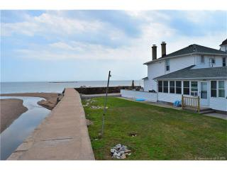 23 Jamaica Ct, East Haven, CT 06512