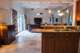 181 Beacon Ln, Jupiter Inlet Colony, FL 33469