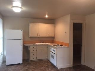 2 W F St #1, Creswell, OR 97426