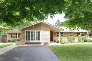 30 North Wildwood Drive, Prospect Heights IL