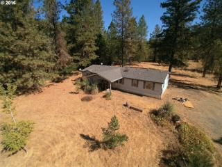 22642 Tiller Trail Highway, Days Creek OR