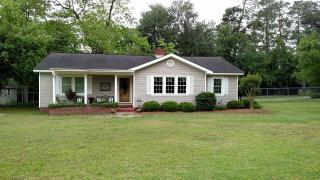 1630 Rainbow Dr, Waycross, GA 31501