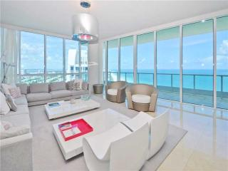 100 S Pointe Dr #3606, Miami Beach, FL 33139