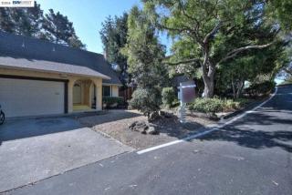 8 Parkridge Court, Richmond CA