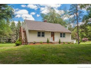 2 Castle Rd, Tolland, CT 06084